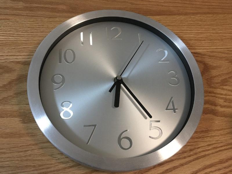 秒針のある時計