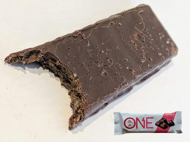 ONEバーダークチョコレートシーソルト風味