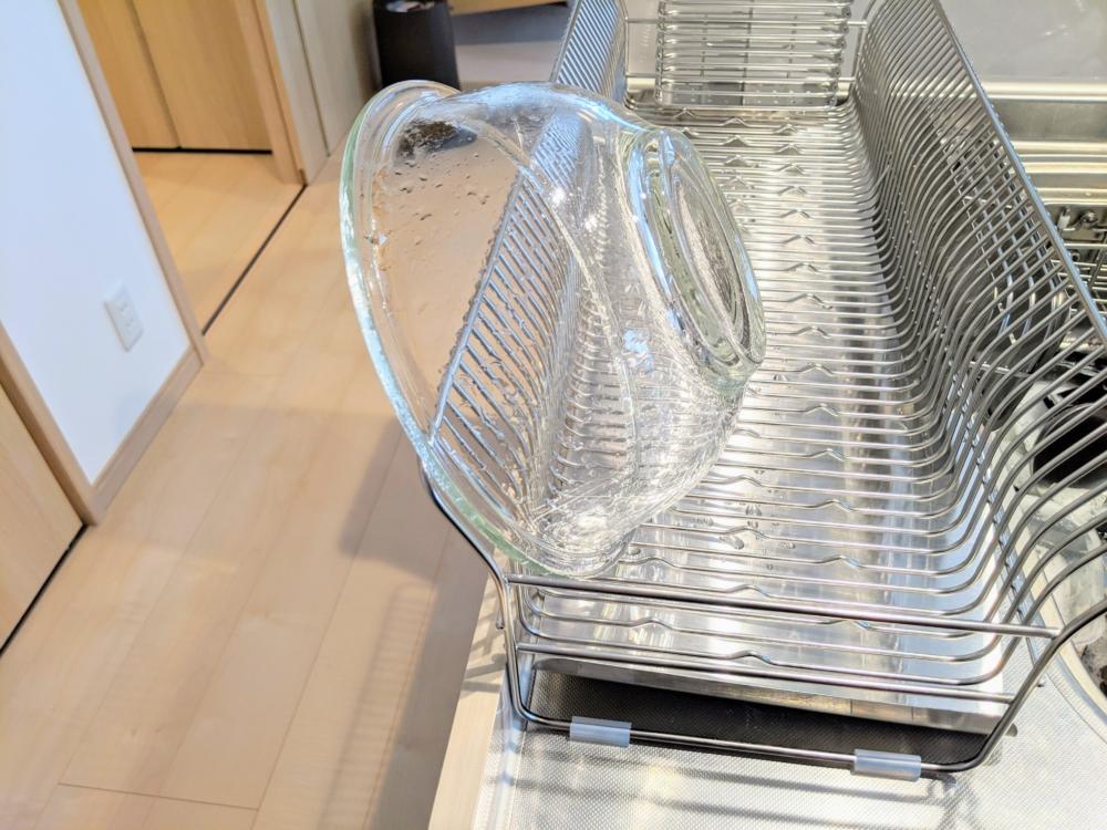 ハナウタ水切りラックは洗い物が滑らない